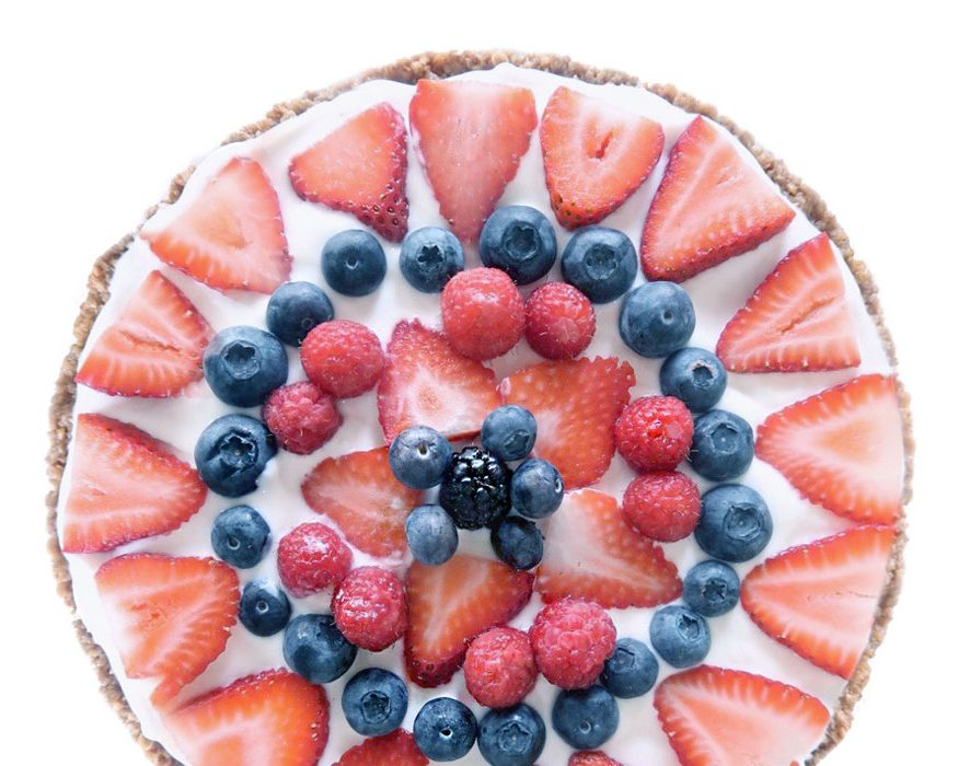 FRUIT PIZZA [PHOTO BY: THE TOASTED OAT]