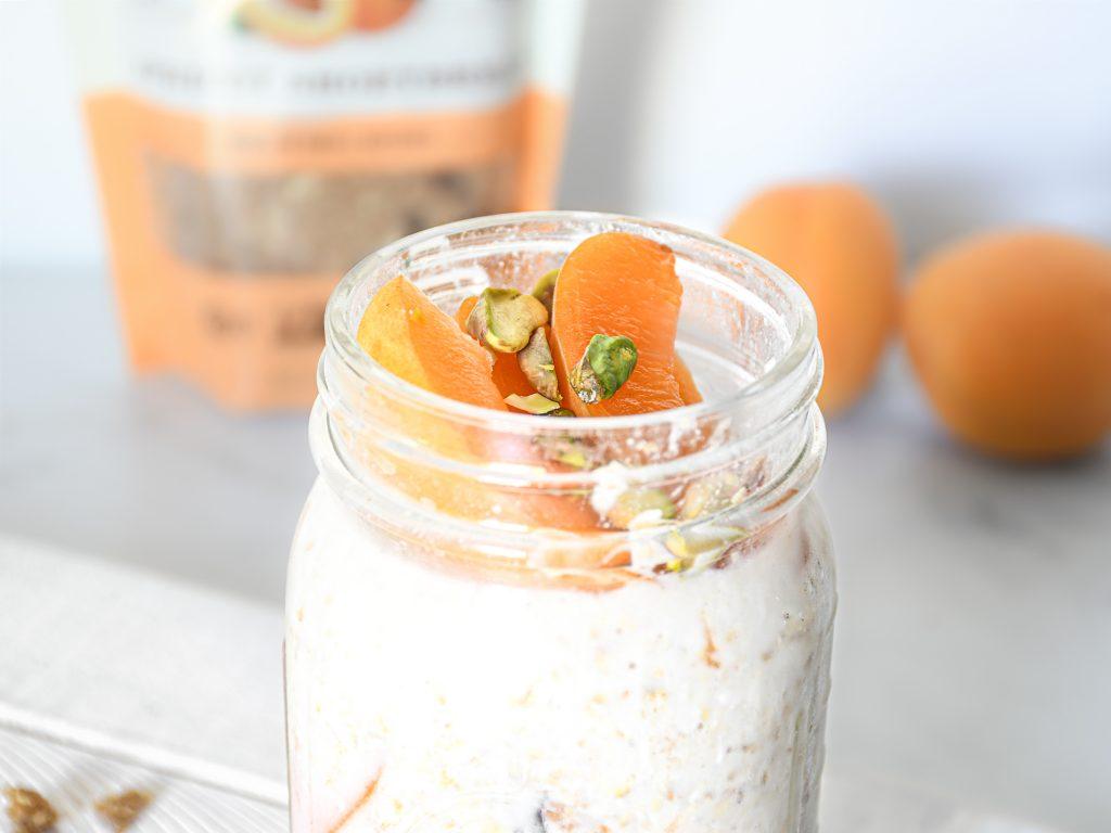 apricot-overnight-oats